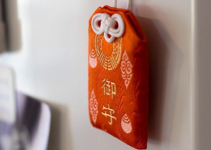 京都・伏見稲荷大社のお守りの「種類・値段・購入場所(営業時間)・効果(ご利益)・混雑状況」