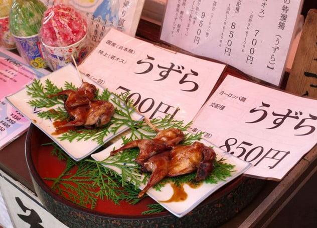 伏見稲荷大社の「屋台」人気おすすめランキング!第2位.「すずめの丸焼き」 (2)