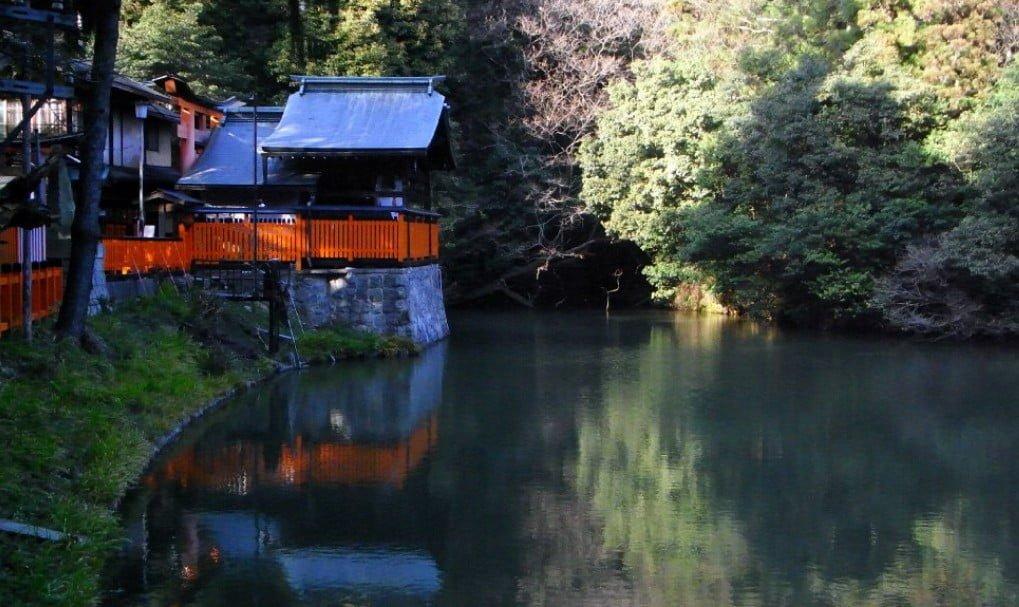 京都・伏見稲荷大社のパワースポット【その4】「こだまの池」