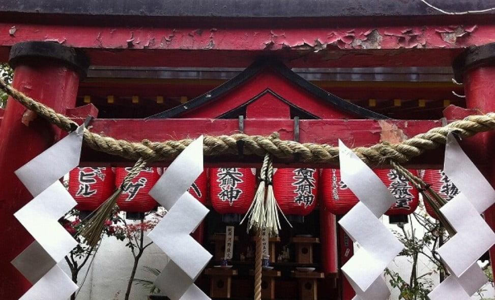 伏見稲荷の七不思議【その6】<奴禰鳥居(ぬねとりい)>