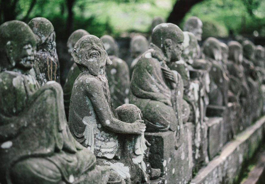 五百羅漢は、自分に似た顔が一つはあると言われています。