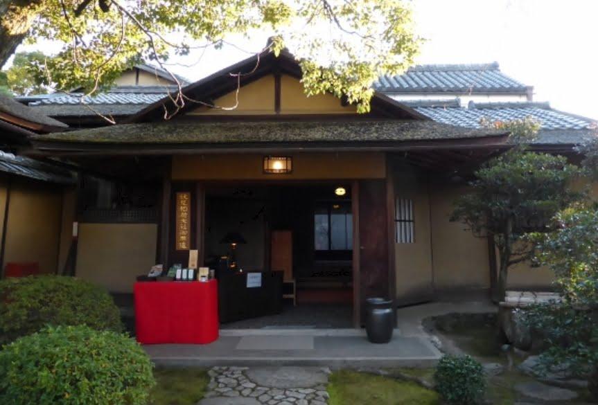 伏見稲荷大社「松の下屋」01